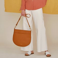 HALF MOON FLAT SHOULDER BAG TAN