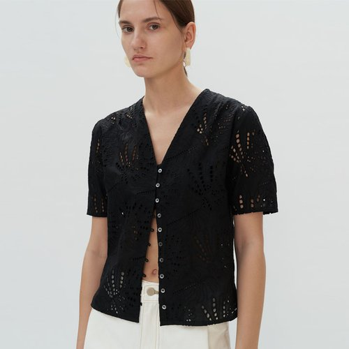 PUNCHING LACE BLOUSE - black