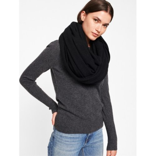 W+W Cashmere Travel Wrap_BLK