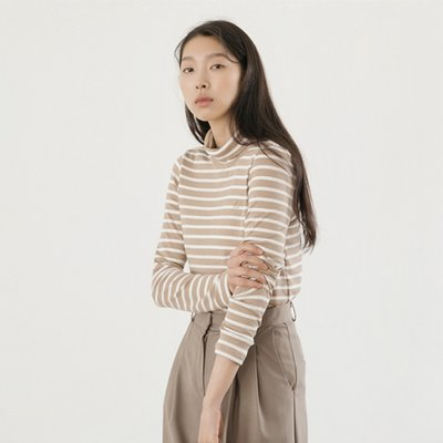 Stripe Turtleneck TOP - Beige