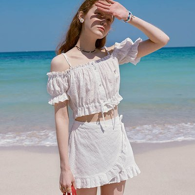 (BL-20323) LACE OFF-SHOULDER FRILL SHIRT WHITE
