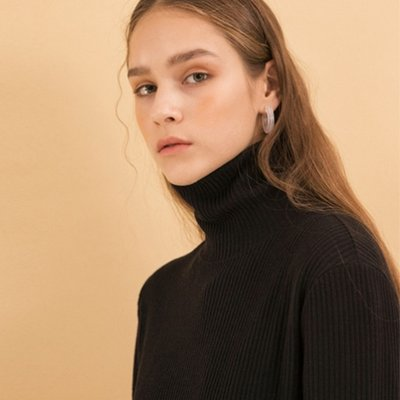 Brush Pocket Turtleneck - Black