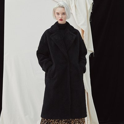 [35%할인적용가]Snuggle Teddy Coat - Black