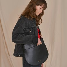 HALF MOON FLAT SHOULDER BAG BLACK