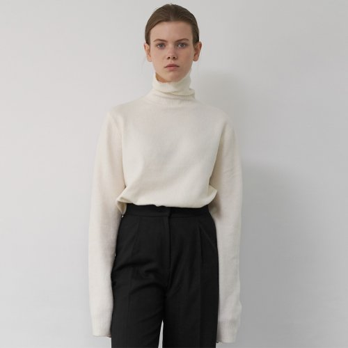 Cashmere Turtleneck Knit Sweater (Ivory)