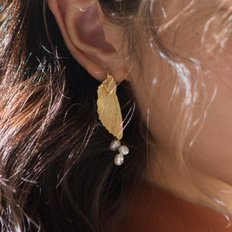 pearl gold wing earrings