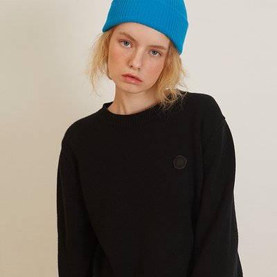 [룩캐스트] BLACK CASHMERE ONE POINT ROUND KNIT (1951189)