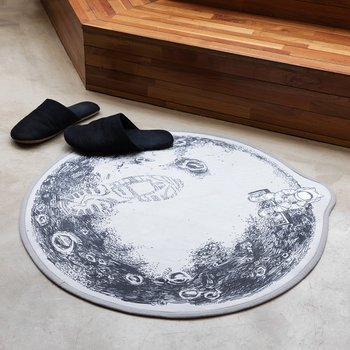 FLY 2 THE MOON RUG