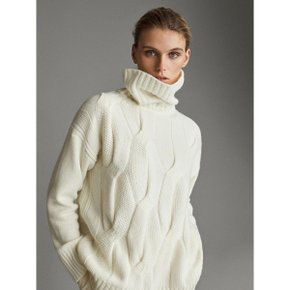APR?S SKI CABLE KNIT TURTLE NECK SWEATER 05607655712