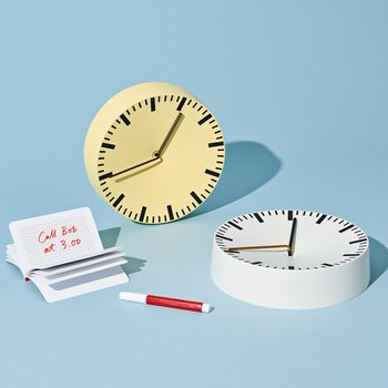 헤이 ANALOG WALL CLOCK YELLOW