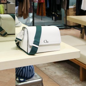 클루(CLU) FLOCK BAG in WHITE