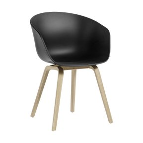 AAC22 CHAIR BLACK