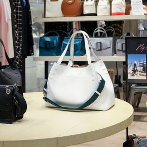 클루(CLU) PERASHU BAG in WHITE